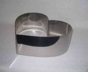 Форма металлическая для  выпечки в виде сердца (d180, h50)