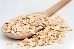 овсяные хлопья (геркулес) обогащены витаминами и полезными веществами