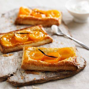 Фонд Абрикос с кусочками абрикоса придает крему великолепный и разнообразный насыщенный вкус и цвет.