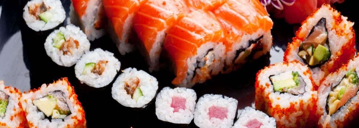 с1 Все необходимые ингредиенты и инвентарь для приготовления роллов, суши и блюд японской кухни